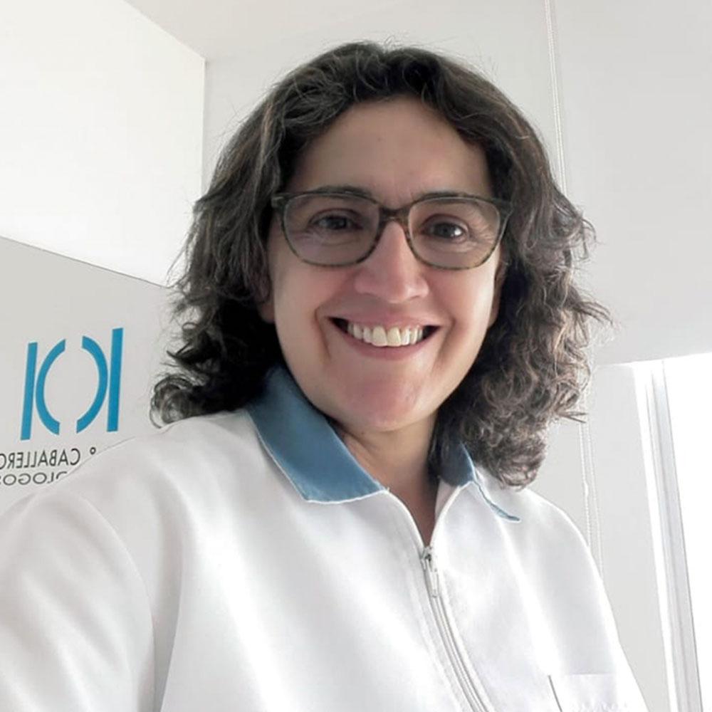 Claudia-Torres-Endodoncia